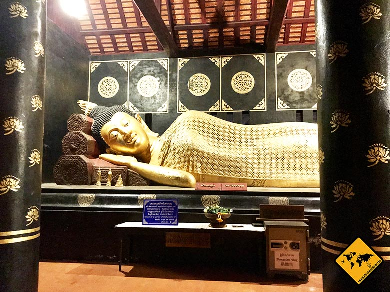 Wat Chedi Luang liegender Buddha