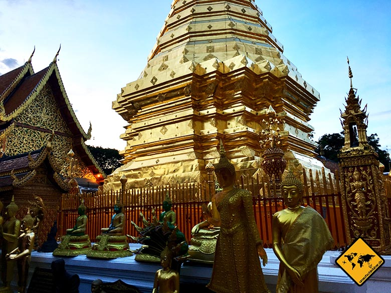 Wat Phra That Doi Suthep Chedi Staturen
