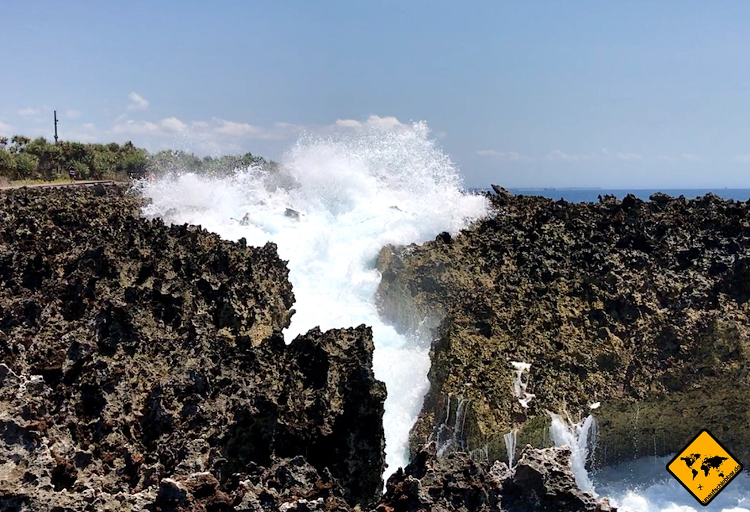 Waterblow Felsen Wasserfontäne