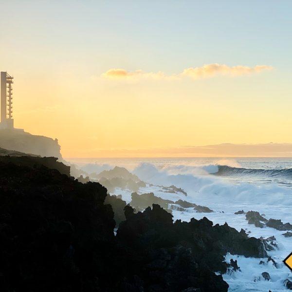 Wellen Leuchtturm Buenavista del Norte