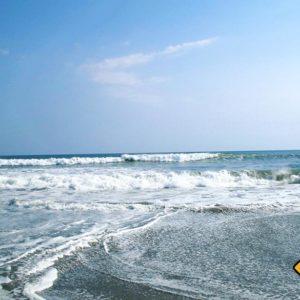 Wer Wellen und stürmischer Meer mag sollte auf seiner Bali Rundreise in Canggu Halt machen