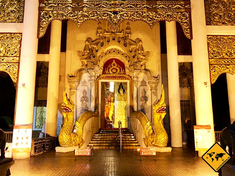 Wihan Luang Eingang