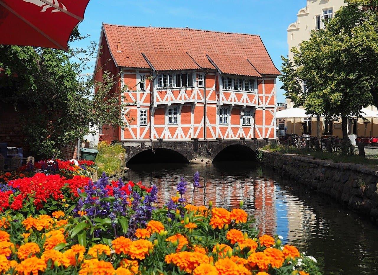 Wismar Sehenswürdigkeiten Gewölbe rotes Haus