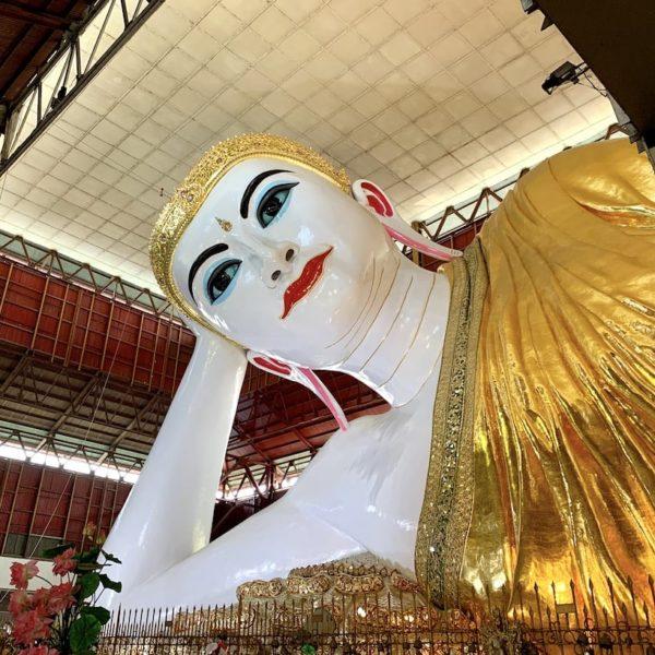 Yangon Chauk Htat Kyi Pagode liegender Buddha Myanmar