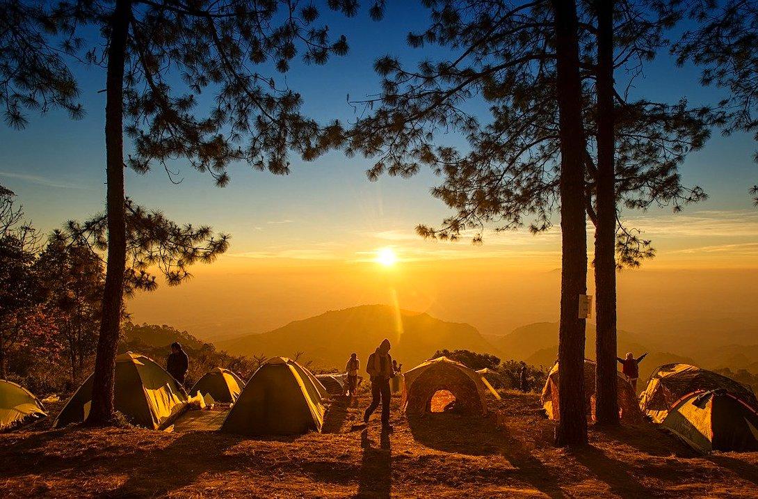 Zelten Sonnenuntergang Berge